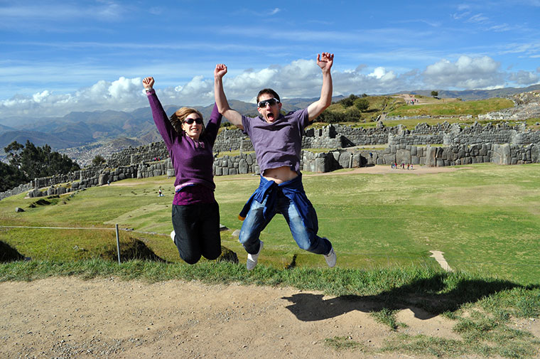MATT-AND-LUCINDA-GLINN-JUMP-CUSCO-PERU-ANCIENT-SUMMIT