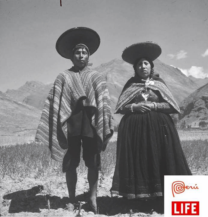pisac-couple-ancient-peru-travel