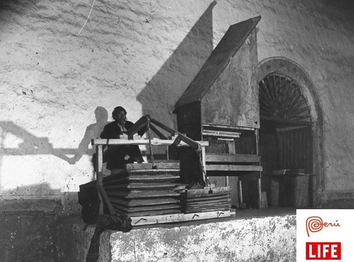 vintage-organ-church-cusco-peru-travel